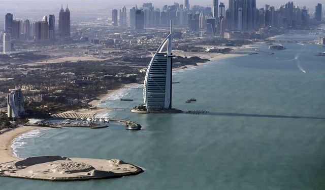 دبي تفتتح هذه الشواطئ الجمعة