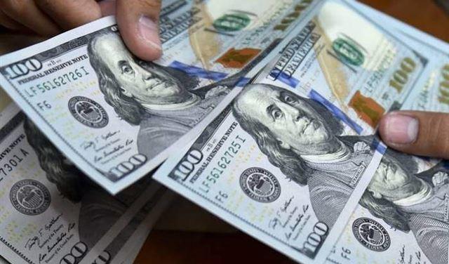 بعد تخطيه عتبة الـ23500 ليرة... انخفاض ملحوظ بدولار السوق السوداء!