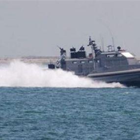 الجيش: زورقان حربيان معاديان خرقا المياه الإقليمية