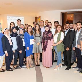 مؤسسة إيناس أبو عياش توزع جوائز مالية لطلاب مبدعين!