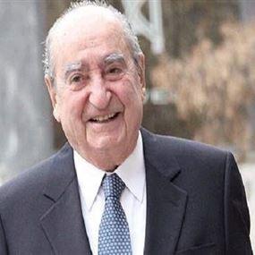 وفاة أحد أبرز السياسين اليونانيين