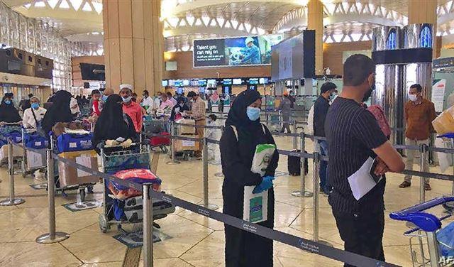 السعودية تُعلّق الرحلات الجويّة من وإلى الهند