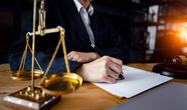 المحامون الناشطون: نرفض الهجمة على المحامين
