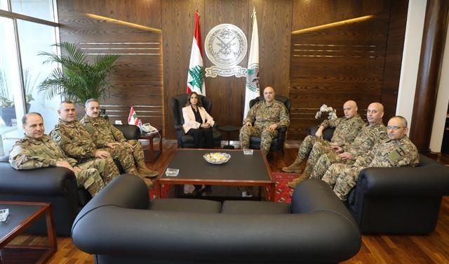 وزيرة الدفاع استقبلت المجلس العسكري... وقائد اليونيفيل