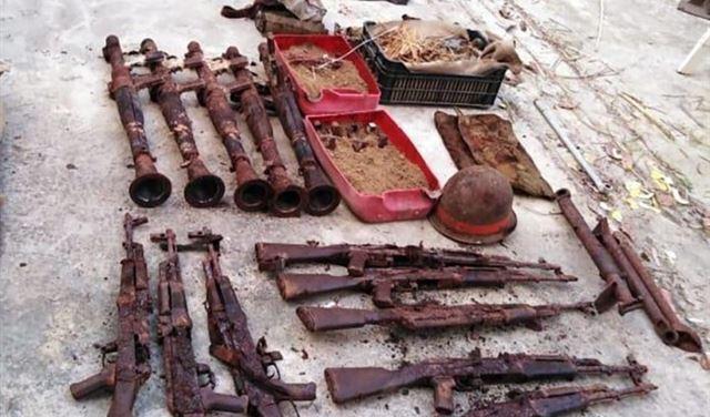 بالصور: العثور على كمية كبيرة من الأسلحة والذخائر القديمة في صيدا