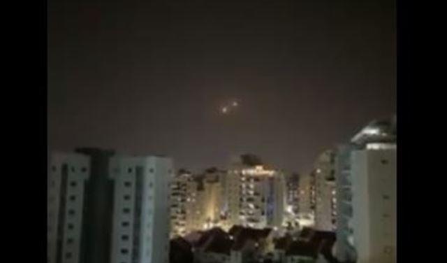 بالفيديو: إطلاق قذيفتين صاروخيتين من قطاع غزة نحو الأراضي الإسرائيلية
