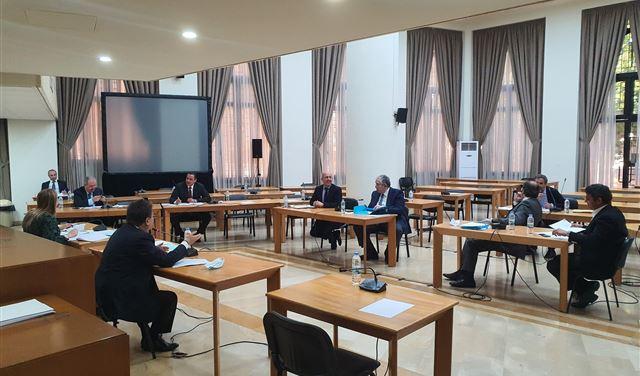 اجتماعٌ للجنة دراسة قوانين مكافحة الفساد برئاسة كنعان