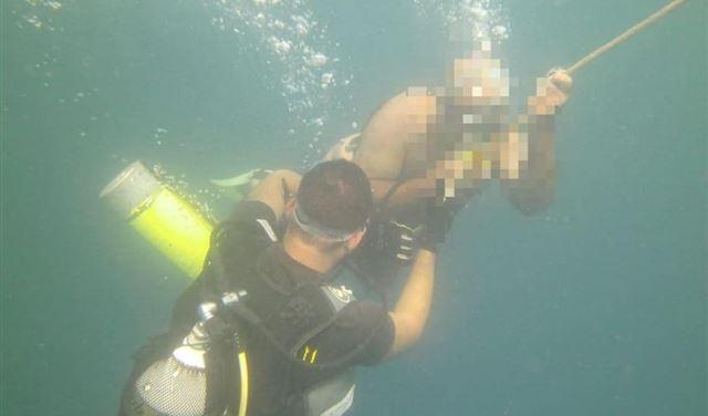 بالصور: انقاذ صياد من الغرق مقابل شاطئ الجيه