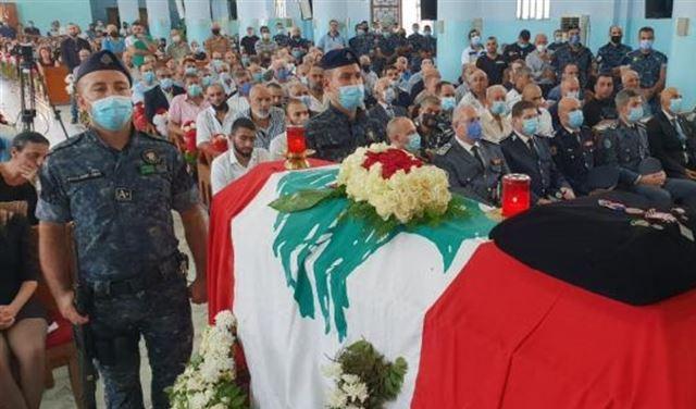 قوى الأمن تشيّع شهيدَ تظاهرات بيروت