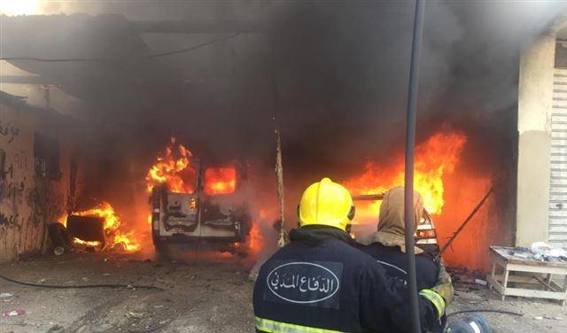 بالصور: حريق ثلاث سيارات في برج البراجنة