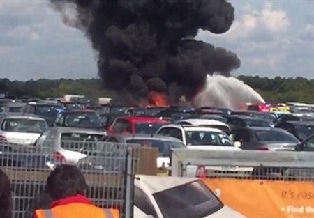 بالفيديو .. تحطم طائرة على متنها اقارب بن لادن في بريطانيا