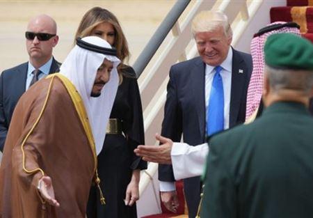 """ترامب يتفاخر على """"تويتر"""" بمليارات الدولارات من السعودية"""