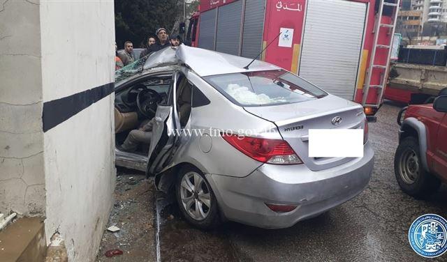 قتيلٌ وجريحان إثر حادث سير في بحمدون