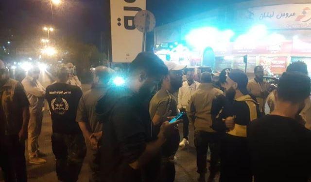 قطع الأوتوستراد أمام سرايا طرابلس احتجاجاً
