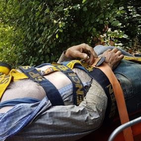 عثر عليه طريحا في بستان في دير ميماس..والسبب؟