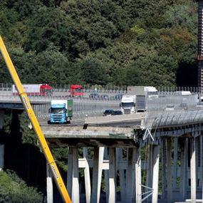 دراسة هندسية تكشف عن مفاجأة تتعلق بمأساة انهيار الجسر في جنوى