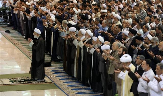 الصحة الإيرانية تطالب بعدم إقامة صلوات الجمعة