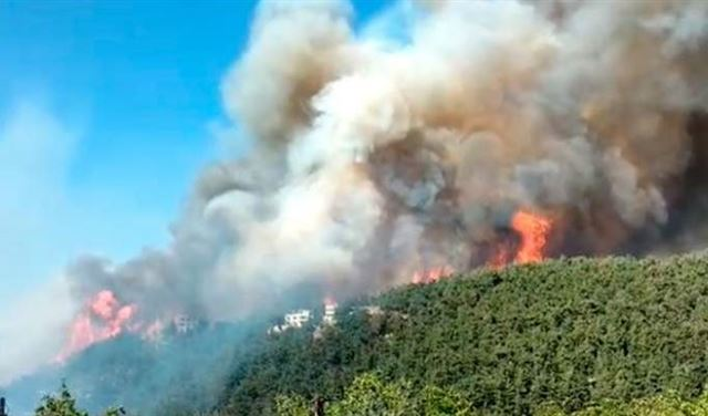 خير: نواجه صعوبات كثيرة في عمليات اطفاء حريق القبيات وطلبنا مساعدة قبرص