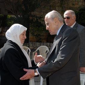 الحريري عزت الزين بشقيقته