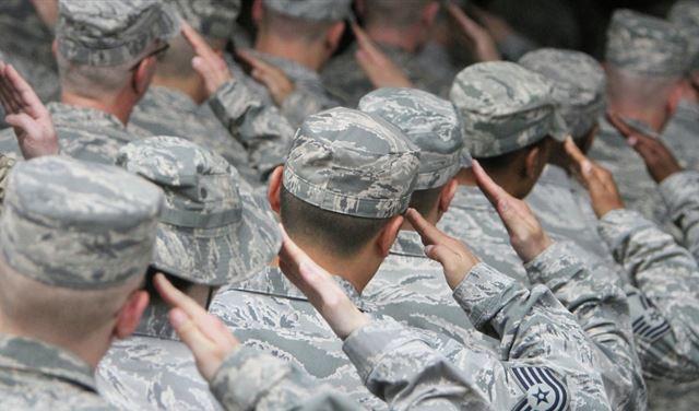 عائق خطير يقف بوجه طموحات ترامب العسكرية