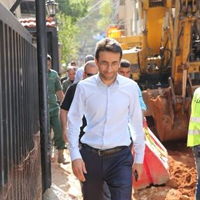 """بعد فيضان """"المجاري"""" في بعض احياء بيروت... شبيب يتحرك"""