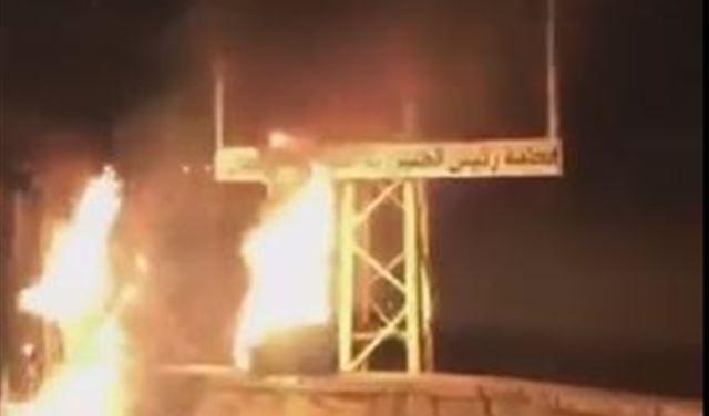 بالفيديو: إحراق صورة الرئيس عون على طريق مدخل دوما
