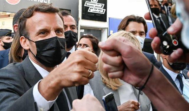 هل أطلق القضاء الفرنسي سراح الشاب الذي صفع ماكرون؟