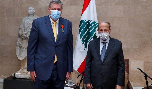 عون يمنح كوبيتش وسام الأرز الوطني