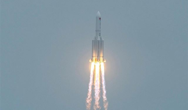 بعد الصيني الذي أرعب العالم... صاروخ أميركي يضل طريقه!