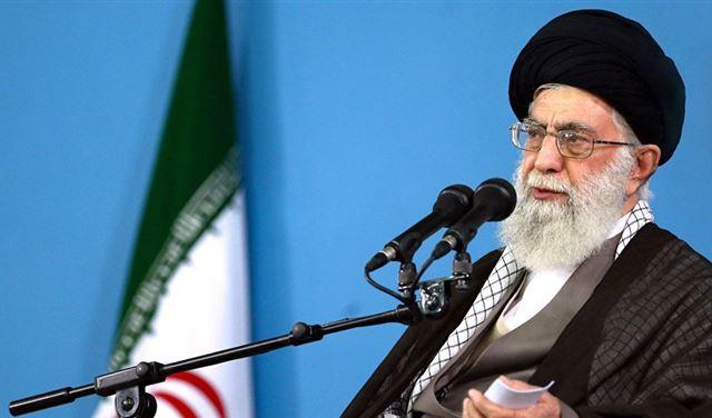 خامنئي يعلن شروط إيران لمواصلة الاتفاق النووي