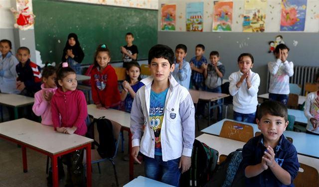 إضراب مفتوح للأساتذة المستعان بهم لتعليم النازحين