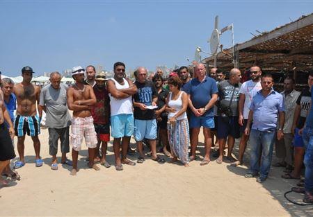 اعتصام لاصحاب الخيم البحرية السياحية في صور