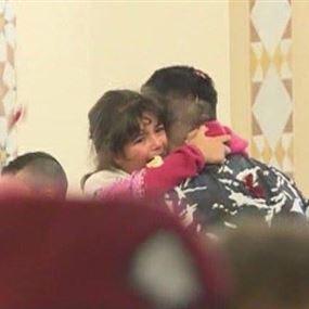 بالصورة.. لحظة مؤثرة من لقاء عسكري بابنته