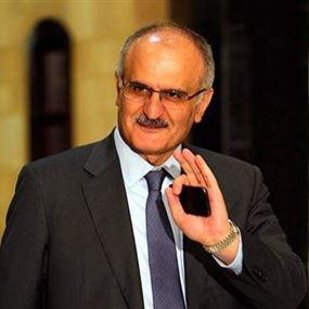 بالصور: وزير المال يوقع مرسوم الايجارات