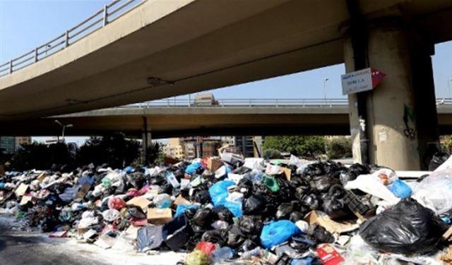 """أزمةُ النفايات... """"من المسؤول؟"""""""