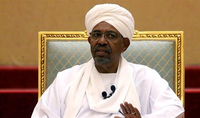 """""""العسكري السوداني"""" يؤكد اعتقال شقيقي البشير"""