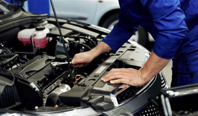 لبنان: صيانة السيارات باتت من