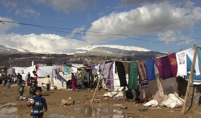 ما الذي يمنع النازحين السوريين من العودة الى بلادهم؟