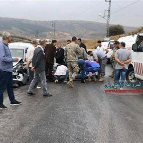 بالصور: جريحان بحادث سير على طريق عام الخردلي - كفرتبنيت
