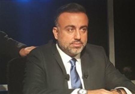 """عماد قانصو: إليسا ملكة النشاز وماريا معلوف """"ساقطة إعلامياً"""""""