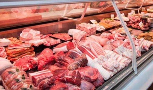 إقفال ملحمة ومحل لبيع الدجاج في بيروت