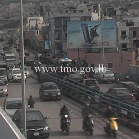5 جرحى في حادث سير على جسر برج حمود
