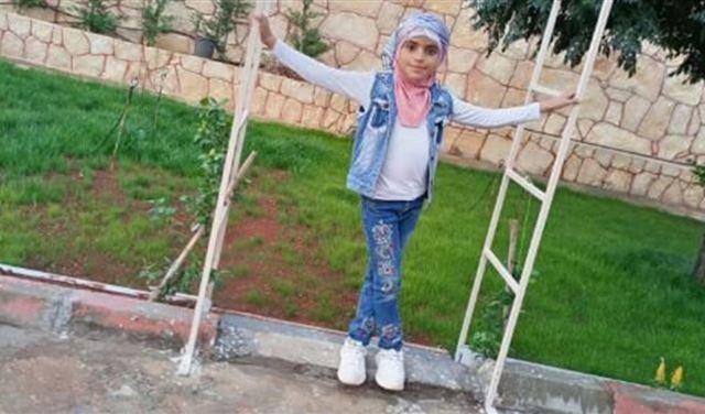 بالصور: بلدة بريتال تشيع الطفلة زهراء طليس