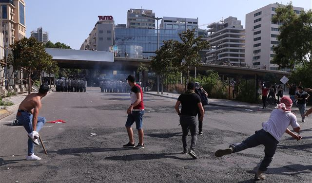 جرحى ومصابون في تظاهرات اليوم