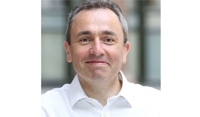سفير بريطانيا يهنئ نقيب المحامين الجديد