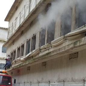 بالصورة: حريق مزرعة دواجن في الزهراني