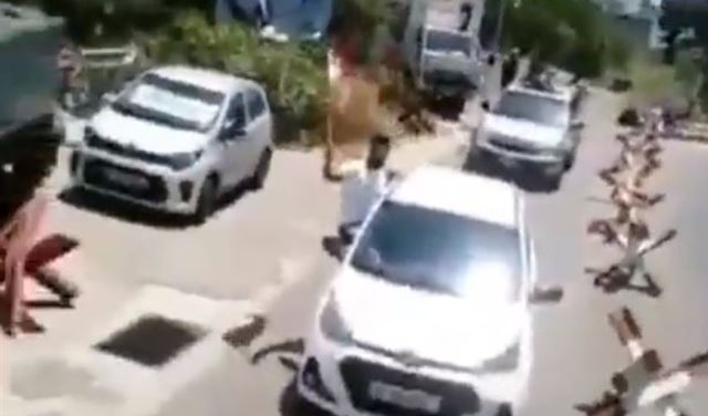 بالفيديو: مسيرة سيارة تجوب شوارع المتن... ونداء!