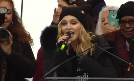 بالفيديو.. مادونا متظاهرة ضد ترمب: فكرت جدّياً بتفجير البيت الأبيض