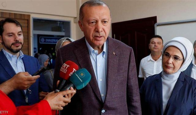 أردوغان يقر بالهزيمة ويهنئ إمام أوغلو