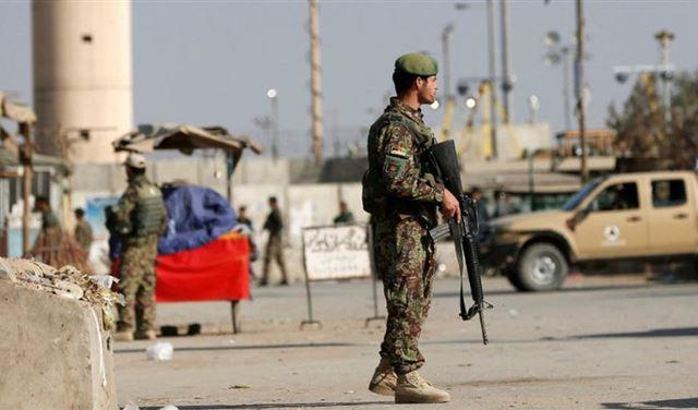 انتحاري يُفجر نفسه قرب أكبر قاعدة أميركية في أفغانستان